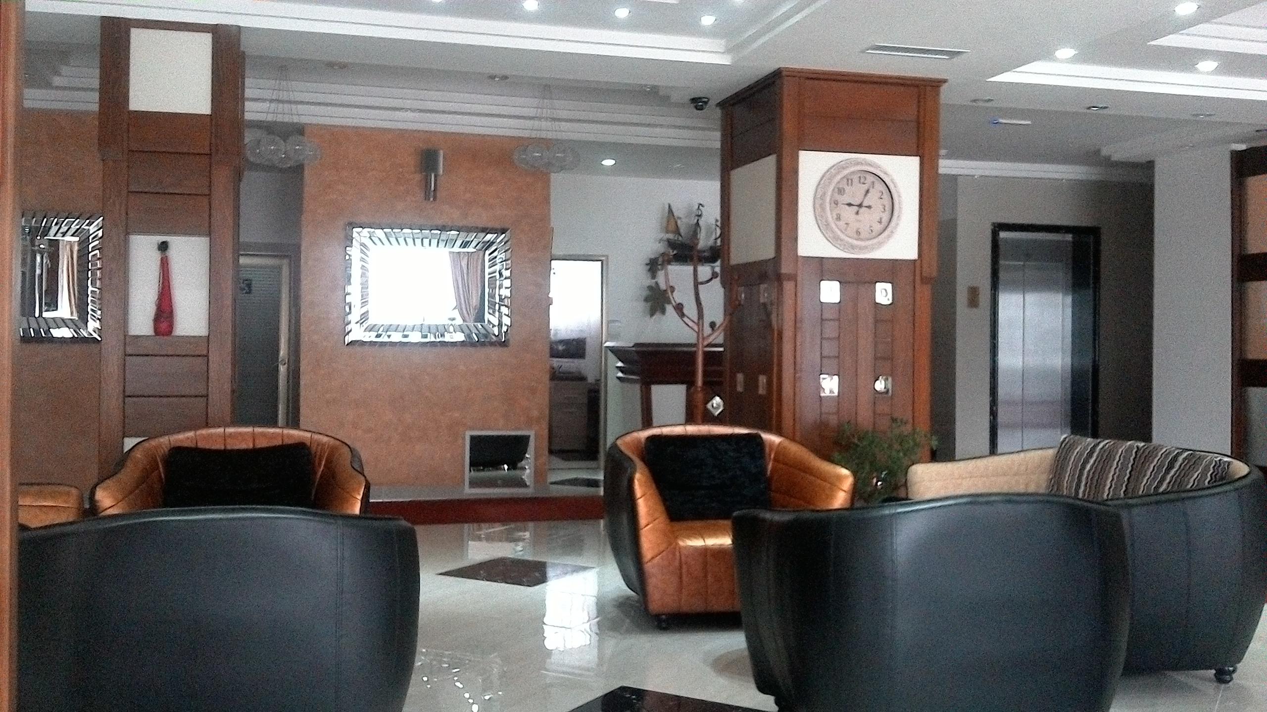 lobi hotel Iris